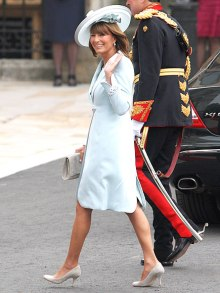 Carole Middleton, mother of Duchess of Cambridge, Kate Middleton, not surprisingly knows what to wear to a wedding.
