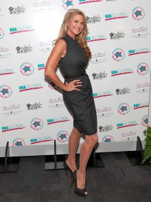 Ever professional and classy, Christie Brinkley almost always wears sheer pantyhose during public appearances.