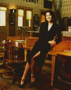 Teri Hatcher gave Lois Lane some sexy pantyhose-adorned legs in the 1990s Superman TV series.