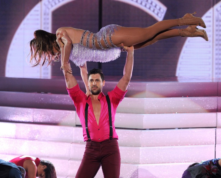 Singer Jennifer Lopez stole the show during the American Music Awards with a high-energy Salsa performance.