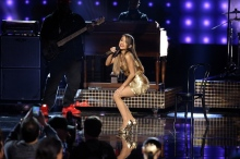 Consistently wearing beautiful outfits, complete with her signature sheer pantyhose, Ariana Grande always delivers an exciting show.