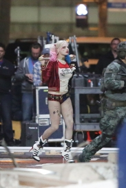 margot-robbie_2015-05-03_on-the-set-of-suicide-squad-in-toronto_17
